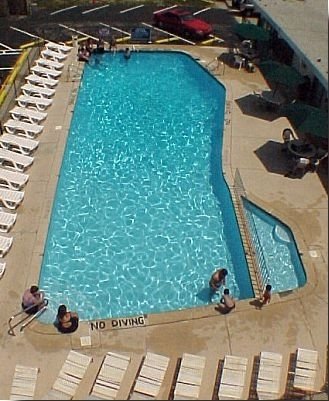 Skyview Manor Motel Pool